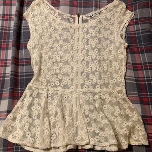 American Eagle flowered lace blouse
